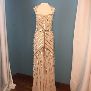 •Adrianna Papell• Beaded & Sequined Gown